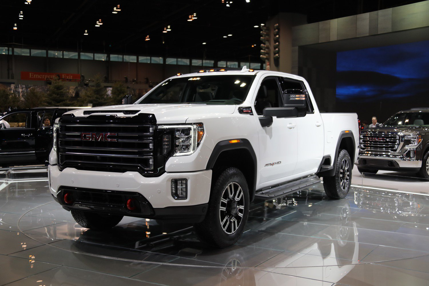 2020 Sierra At4 Hd: Live Photo Gallery | Gm Authority 2020 Gmc Sierra 2500Hd At4 Release Date, Price, Engine
